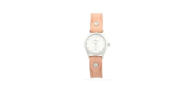ツバメ(広瀬すずさん)ドラマ着用衣装「学校のカイダン」可愛い腕時計やリュックなど