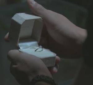 「恋仲」本田翼の衣装まとめ7話8話「渡される指輪&サンダルとサックのリュック」