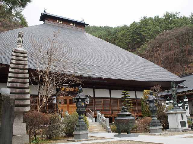 長野県上田市にある信綱寺と黒門に行って来ました
