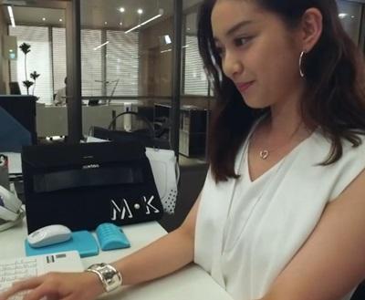 3話「せいせいするほど愛してる」武井咲の衣装「ブレスレット」ピンキーアンドダイアンのセットアップ