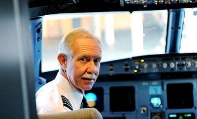 「ハドソン川の奇跡」機長のモデル・サレンバーガー・パイロットに人生を捧げた男